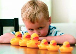Quais os sinais e sintomas de autismo - Tismoo - diagnóstico de autista