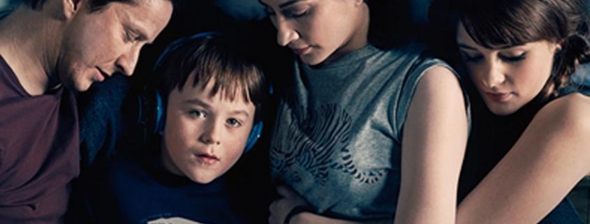 Série 'The A Word — A Vida com Joe' retrata família com filho autista - Tismoo