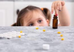 Estudo aponta que crianças com autismo recebem medicação não indicada e pouca terapia — Tismoo