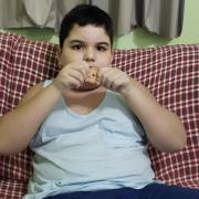 Empresa produzirá bolacha fora de linha exclusivamente para menino autista —Tismoo