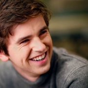 Freddie Highmore, da série The Good Doctor — Tismoo